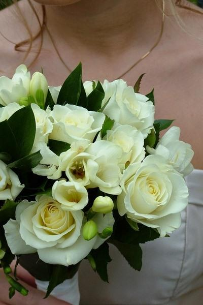 bouquet_sposa_rose_bianco