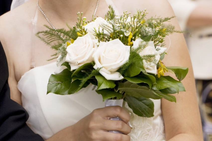bouquet_sposa_rose_bianco_2