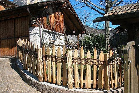 Bordure e recinzioni fai da te per giardini - Recinzioni per giardini ...