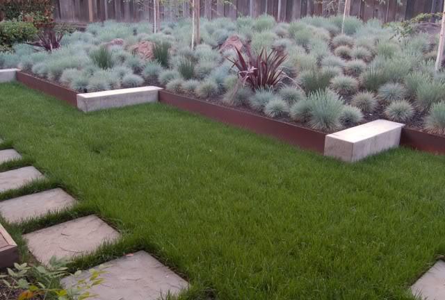Aiuto per progetto giardino un quadrato di giardino for Progetto aiuole per giardino